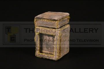 Magic box miniature