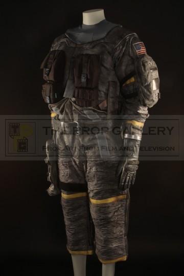 Justin (Jack Noseworthy) stunt spacesuit
