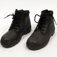 Denny Peters (Barclay Wright) boots