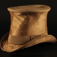 Albert Blossom (Richard Attenborough) top hat
