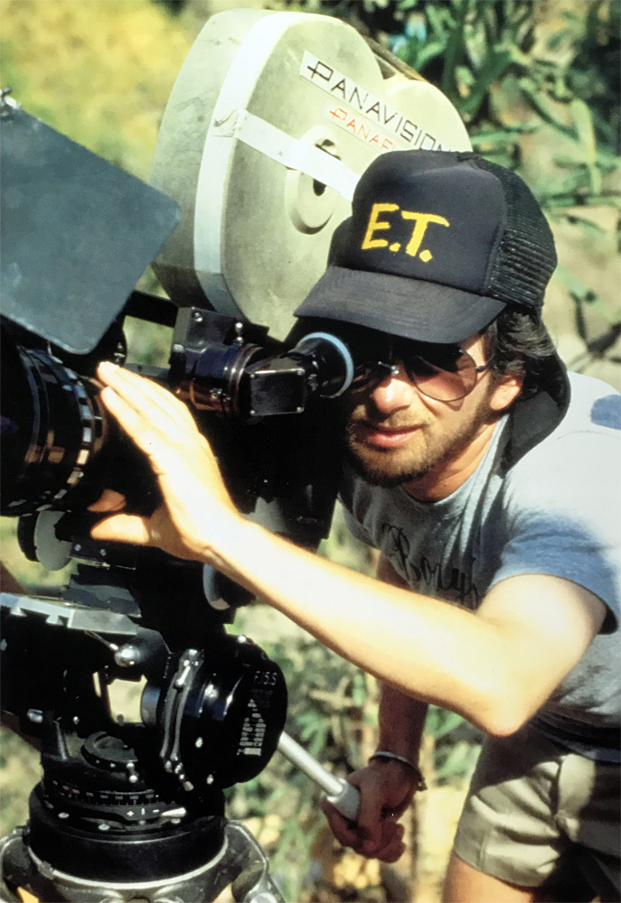 Steven Spielberg behind the scenes on Indiana Jones and the Temple of Doom (1984)