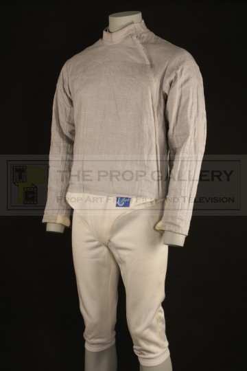 Fencing costume