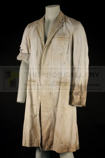 Dr. Curt Connors (Rhys Ifans) laboratory coat