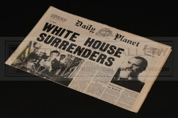 Daily Planet newspaper - White House Surrenders