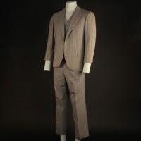 Al Capone (Jason Robards) suit