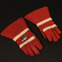 Chancellery Guard gloves - The Invasion of Time