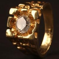 Eddie 'Nice Guy' Cabot (Chris Penn) ring