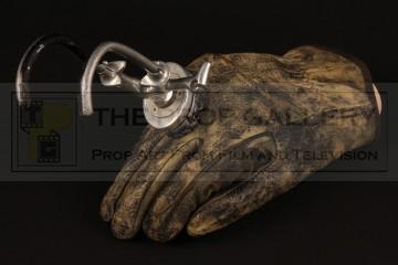 Major Charles Rane (William Devane) prosthetic hook